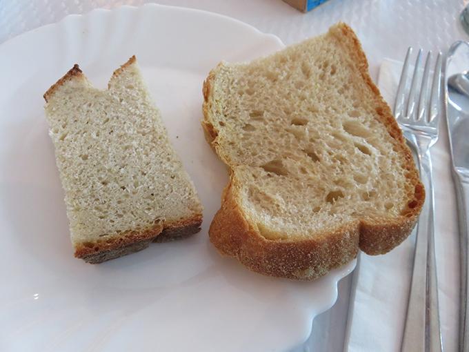 pão de milho e pão caseiro