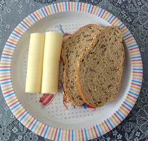 Pão  7 cereais com queijo flamengo