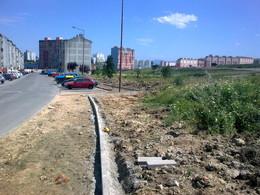 Obras de rebaixamento de lancis e passeios no Bairro da Flamenga